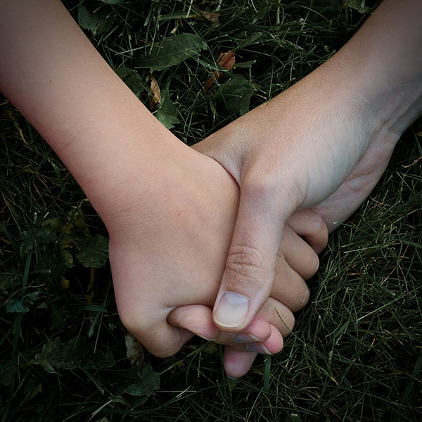 Keeping In Touch: A Daughter's Perspective | ProductiveMuslim