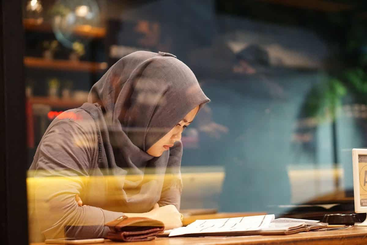 How Writing Down on Paper Can Help You De-stress, Regain Clarity and Be More Productive | ProductiveMuslim